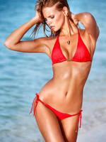 Red Bikini Babe by pcurto