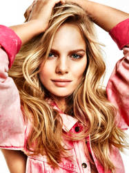 Marloes In Pink Denim by pcurto