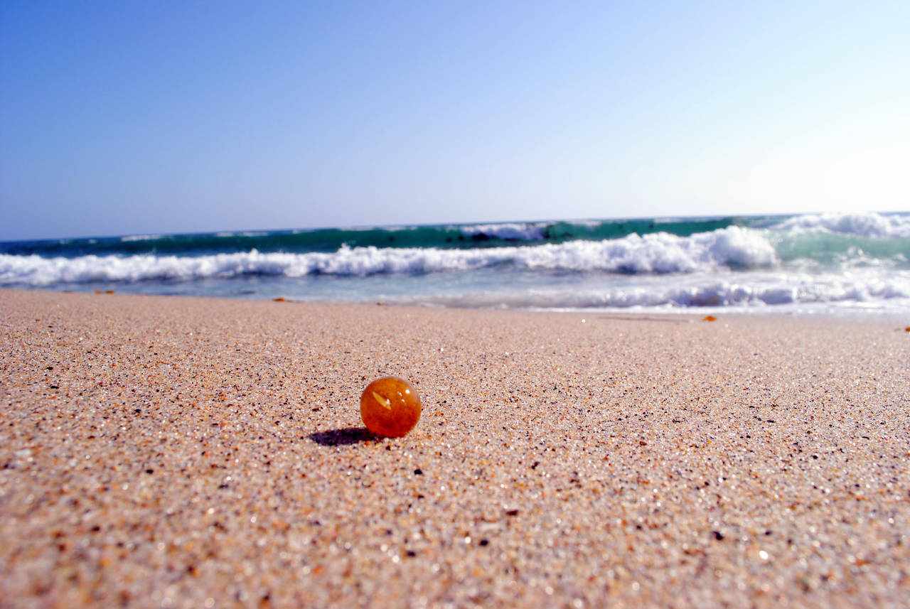 Weed on the Beach by aElien