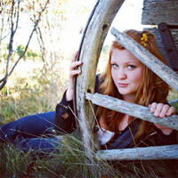 Senior pix by Avey-Cee
