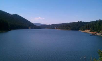 Belis Lake by Eru-Maamandil