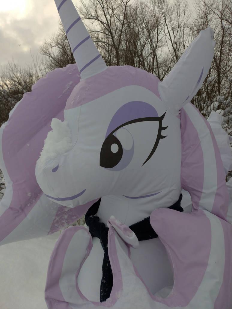 [Obrázek: snow_on_snoot_by_arniemkii_dcweg2e-pre.jpg]