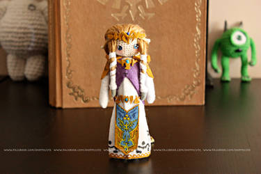 Princess Zelda Crochet Amigurumi by thelegendofSwink