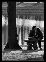 Lovers in the park ... by philcopain