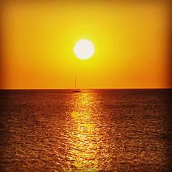 Ocean sunset by HOODZBALLZ