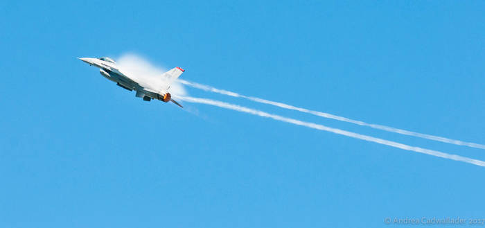 F-16 Fighting Falcon by anjules