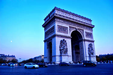 The Arc de Triomphe 3 by AlanSmithers