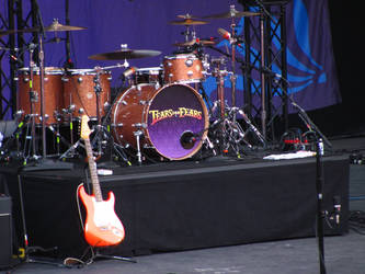 TFF Drum Set by IcedOniYam