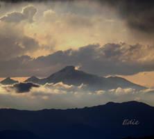 Longs Peak by 1001G