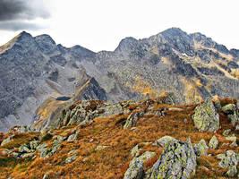 Caltun Lake and Negoiu Peak by spoii