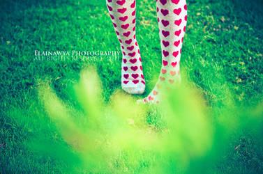Alice in the wonderland . . by ElAinawya