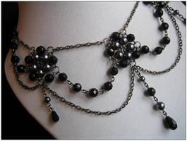 Mourning necklace - closeup by monashierogliphica