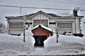 Inn in the snow by Furuhashi335