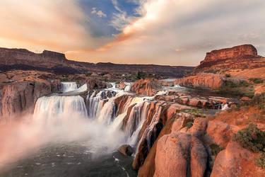 Shoshone Falls by maxre