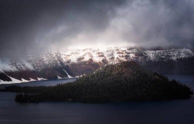 Crater Lake by MaciejKarcz