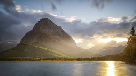 Swiftcurrent Lake by MaciejKarcz