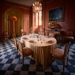A table by ensilencio