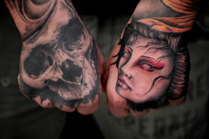 Skull and Geisha by Robert-Franke