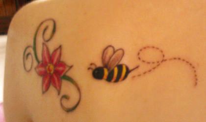 Bumblebee by waterbender010
