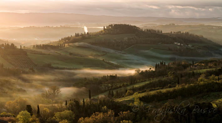 Morning in Tuscany V by Gambassi