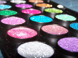 glitter by Rayleah