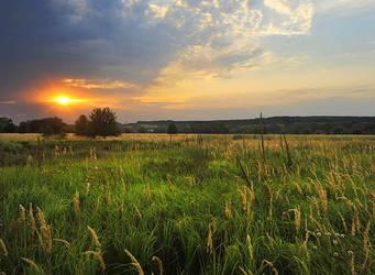 Sunset in Ukraine by ohlopkov