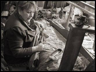 Weaving master by MoonHobbit