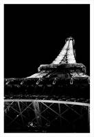 Tour Eiffel by night by vampynicole