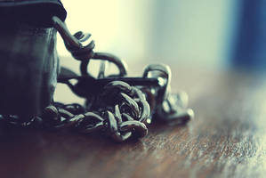 chains by Noise-Less