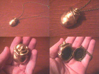 Juri's Locket from Utena by chibishinigami