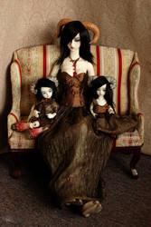 Malkain Family Portrait by kawaiimon