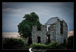 Ireland - ruins by Mondkringel