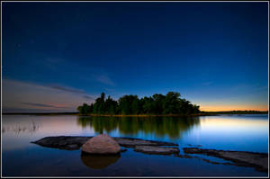 Monument Bay by xedgerx