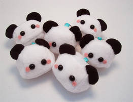 Baby Panda Sugar Cubes by quacked