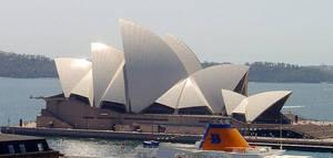 Sydney Opera House by ashlyn