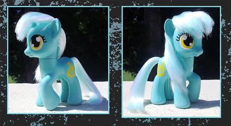 My Little Pony Custom - Lyra by kaizerin