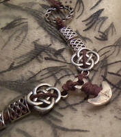 Thorn rune protector-necklace by Destinyfall