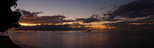 Maui panorama by SnowmanHitman