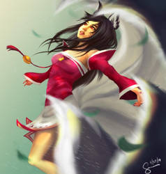 Ahri Fanart by Azuralyn