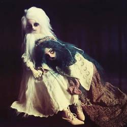 In the Dark I Heard you Sing by VampyrTenrai