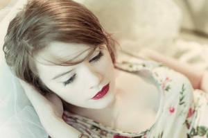 Veiled Beauty by Hantenshi