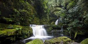 Mclean Falls by Niv24