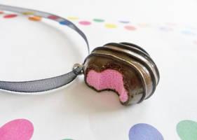 Strawberry-Chocolate Truffle by kikums