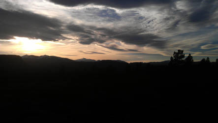 Sunset over Jotunheimen by BinaryReflex