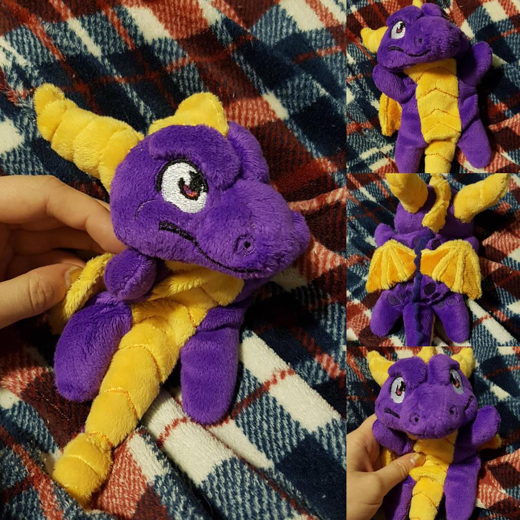 Spyro Beanie by molten-cheeese Spyro Beanie by molten-cheeese 1d1d32aa5cd