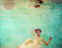 . Underwater by PetitJeReve