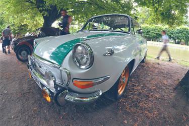 Old skoda car by Poppy-CZ