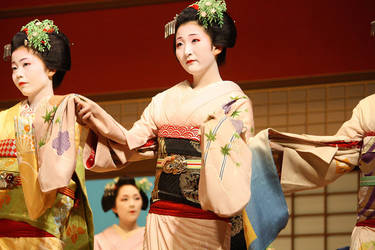Miyako Kouta Dance by DrowElfMorwen