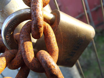 Abus..  Oxide Chain Links by kernowtokyojoe