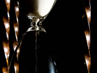 Hourglass 24 of 365 by attendrexmoi